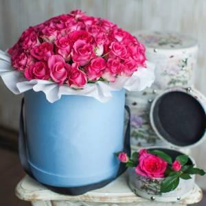 45 розовых роз в коробке R568