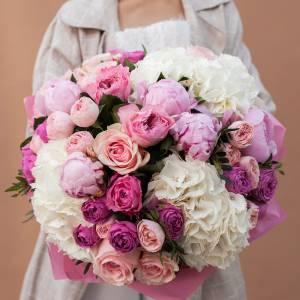 Сборный букет гортензия с розами R1709